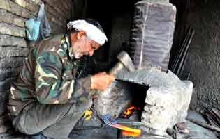 آهنگری سنتی و دستی(چکش و سندان)
